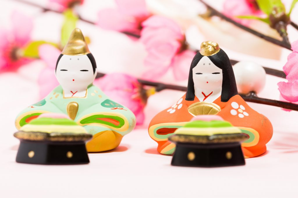 女の子のための華やかな「ひな祭り」、桃の節句のマナーとは?