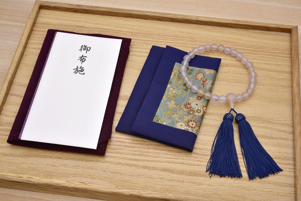 お布施の由来と意味・紙幣の包み方と基本マナー