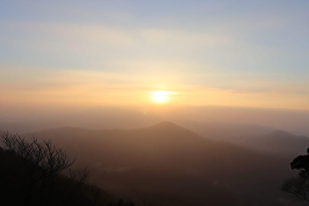 新年で最初の夜明け初日の出について