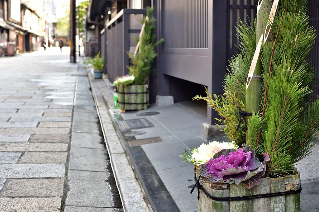 正月飾りを片付ける松送りの意味・役割